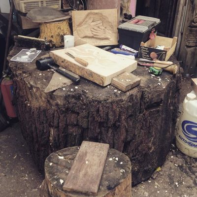 This was my work bench yesterda¸ a giant tree stump. #woodcarving #woodworking